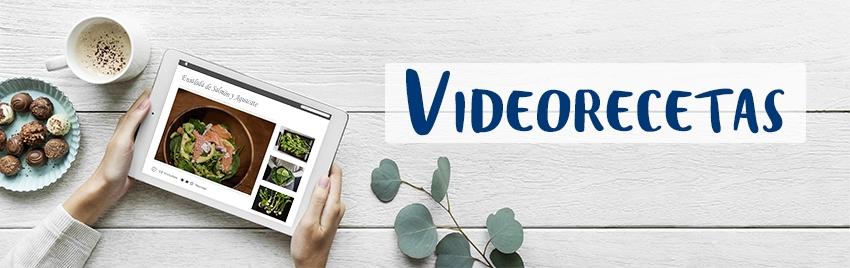 Banner de videorecetas, mesa con café y tablet