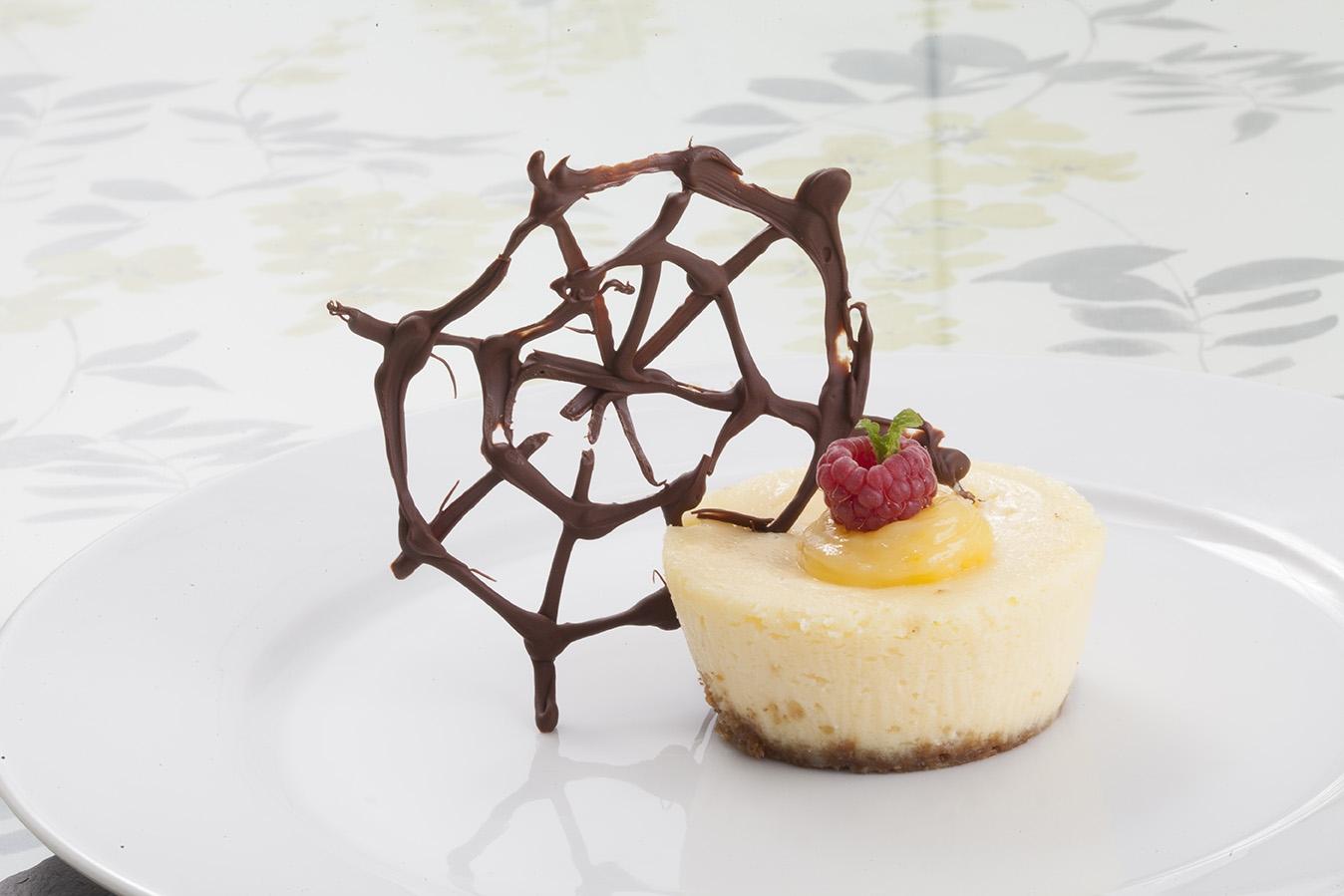 Cheesecake de lima con galleta de avena y azúcar moreno