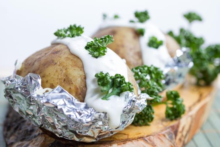 Patata asada con papel de aluminio Albal®