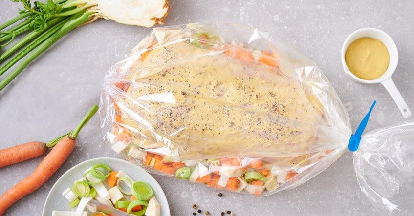 Receta Albal® Lomo de cerdo, untado con mostaza, sobre verduras en Bolsa de Horno y Microondas Albal®