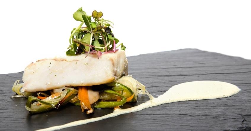 Truco Albal®: Prepara un pescado con verduras de una manera rápida, sana y sencilla